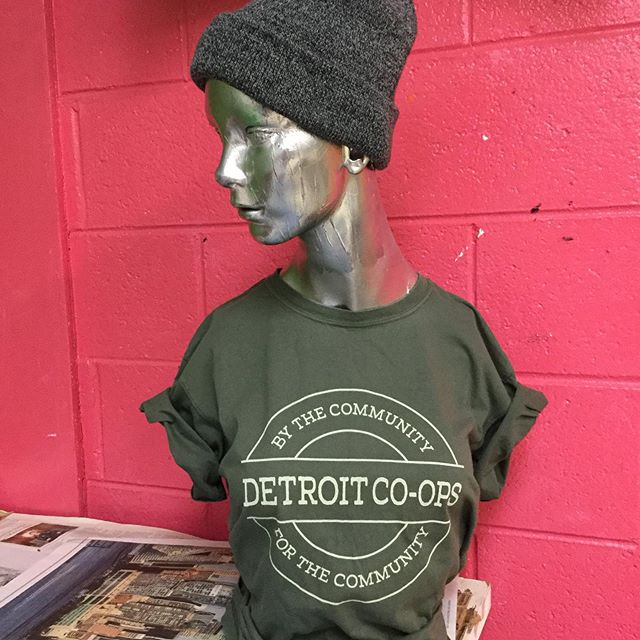 Like we said: we love Co-ops! #waterbasedink on these cotton tees for @detroitcommunitywealthfund. #screenprinting