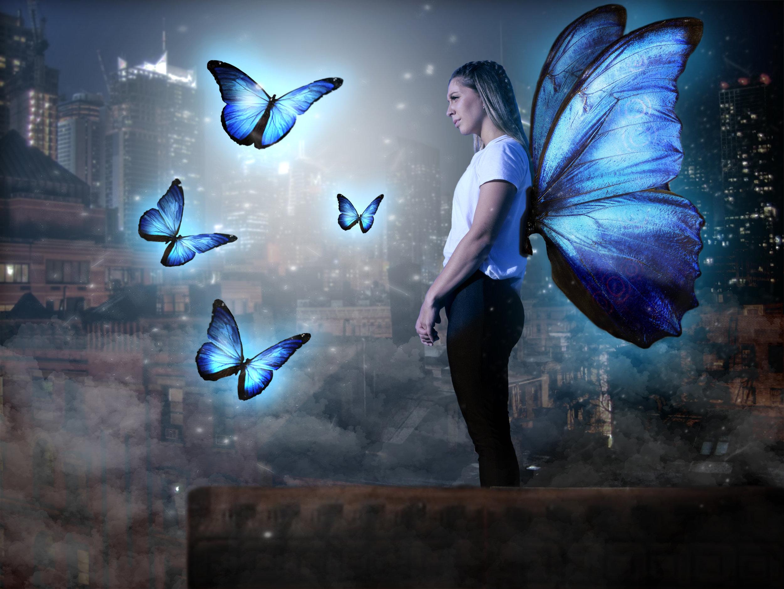 QUEEN OF THE NIGHT - La reina de las mariposas por las noches.