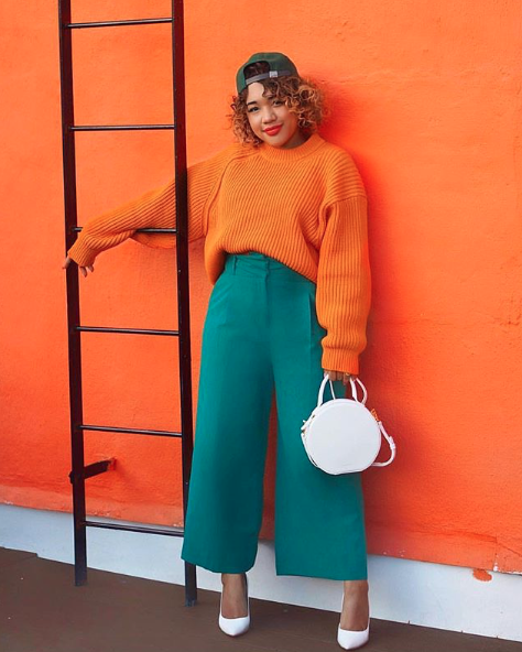 Turquoise + orange is a DREAM on Courtney