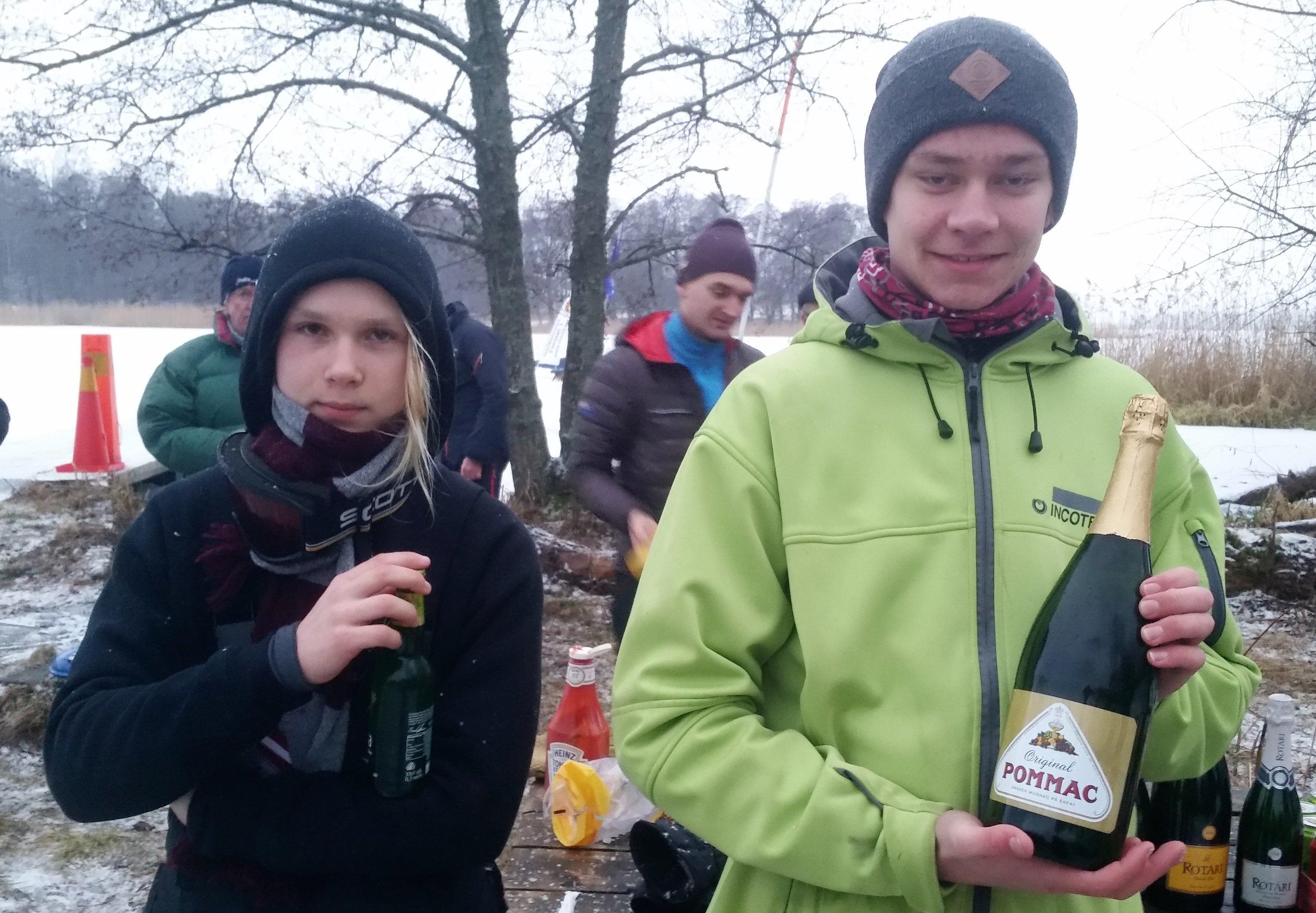 Vinnare R8 DN junior fr v 3:a Rasmus Söderman, 2:a Axel Steffner (saknas på bild),1:a Wilhelm Alness