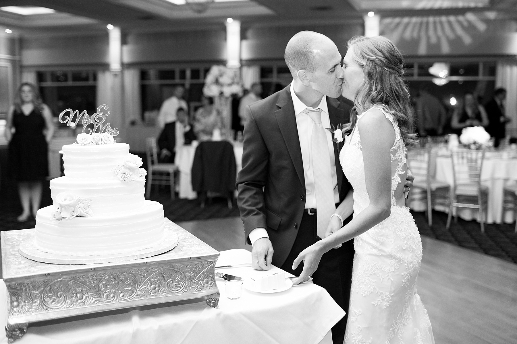 Ashley Mac Photographs | NJ wedding photographer | Battleground Country Club wedding | Battleground Country Club wedding photographer | Manalapan, NJ wedding photographer, New Jersey wedding photographer, romantic NJ wedding day, wedding day, wedding photos