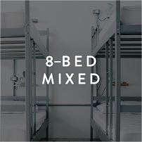 8 bed mixed room