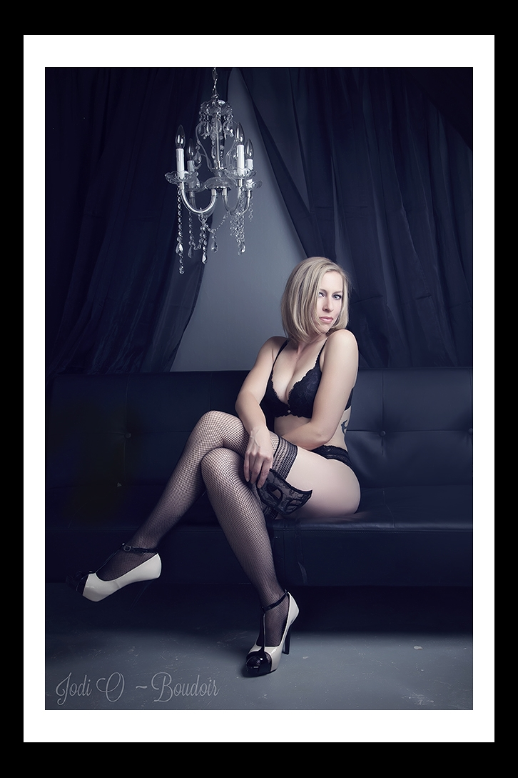Boudoir Photography Studio in Calgary Alberta. Packages for all budgets and sessions geared towards you comfort level.  Hair and make-up avaible