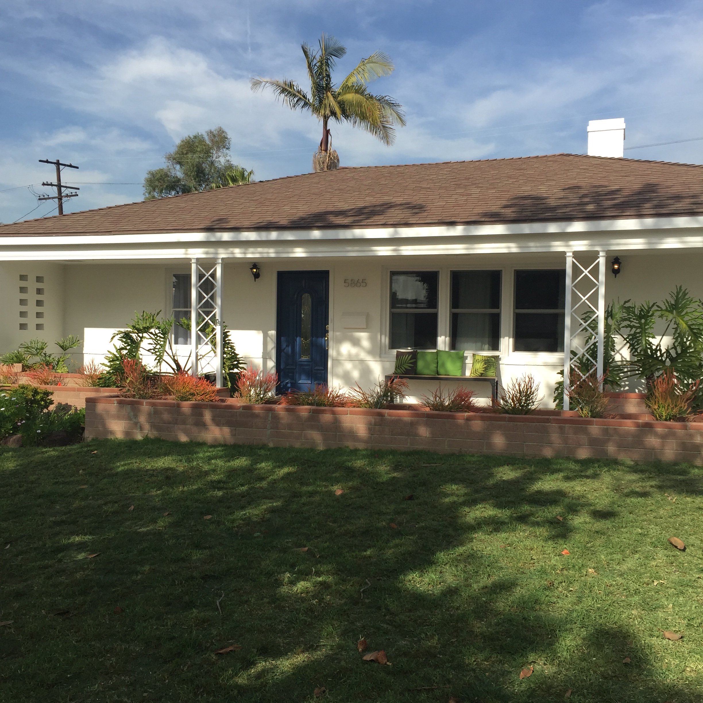 Amazing Mid Century Modern in Westport Heights. 3bed 2 bath with sun room.     Claire Lissone   tel: 310.689.9689   email:  claire@realestate-collective.com   calBRE#01426130