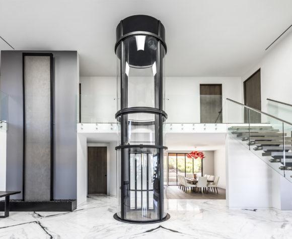 gallery-savaria-vuelift-round-Black-in-elegant-California-home-img-eleven-580x475.jpg