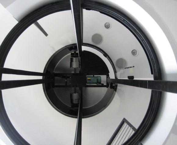 gallery-savaria-vuelift-round-Hoistway-view-of-winding-drum-motor-img-thirtyfour-580x475.jpg