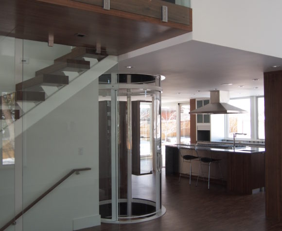 gallery-savaria-vuelift-round-through-floor-home-elevator-img-thirteen-580x475.jpg