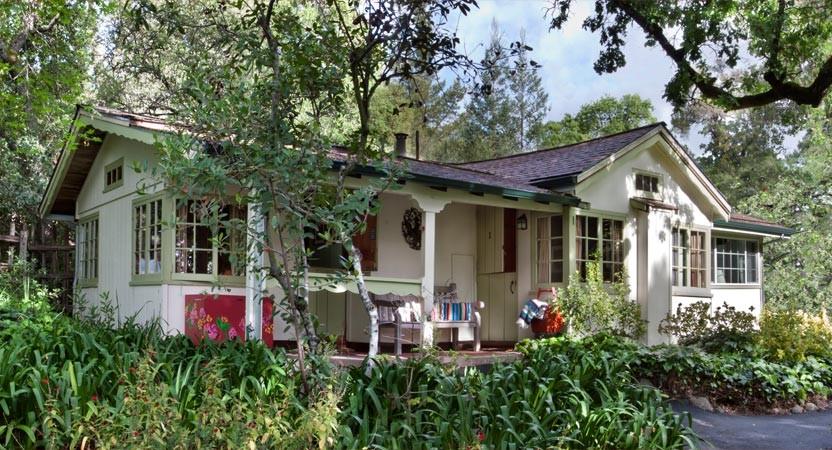 Westerbeke_green_cabin.jpg