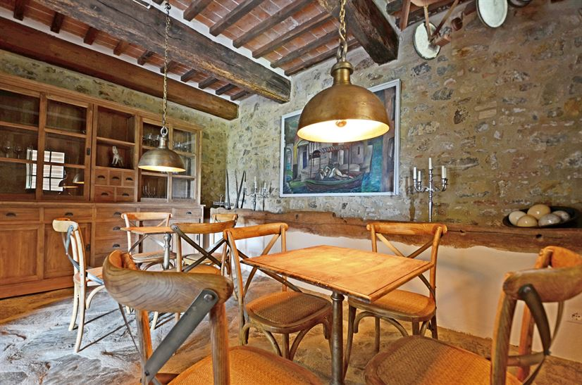 Cugnanello winebar-b.jpg