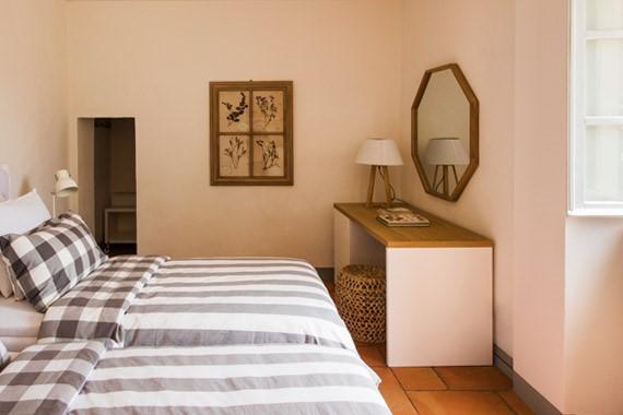 apt_bedroom2_crop_570x380.jpg