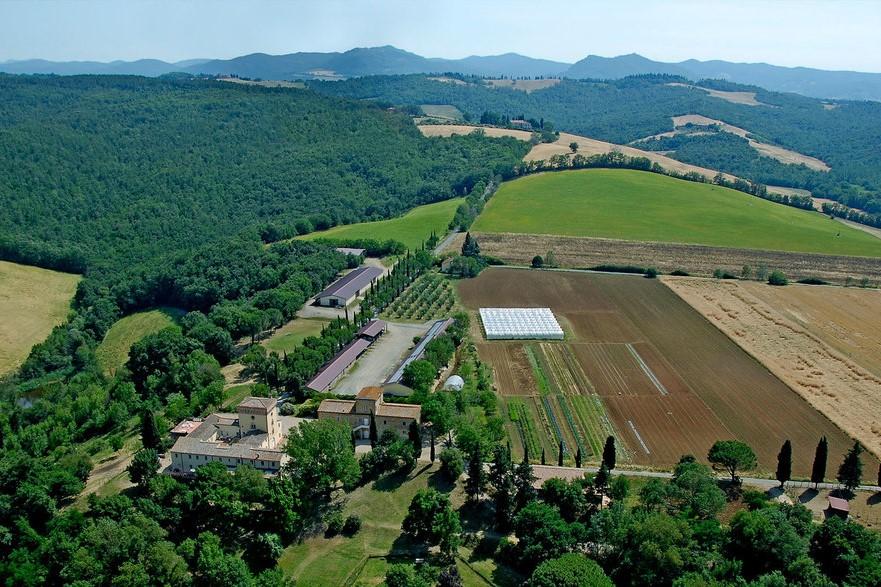 cerreto-sky-view_orig_crop_881x587.jpg