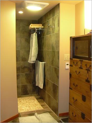 Pacific Rim Bathroom