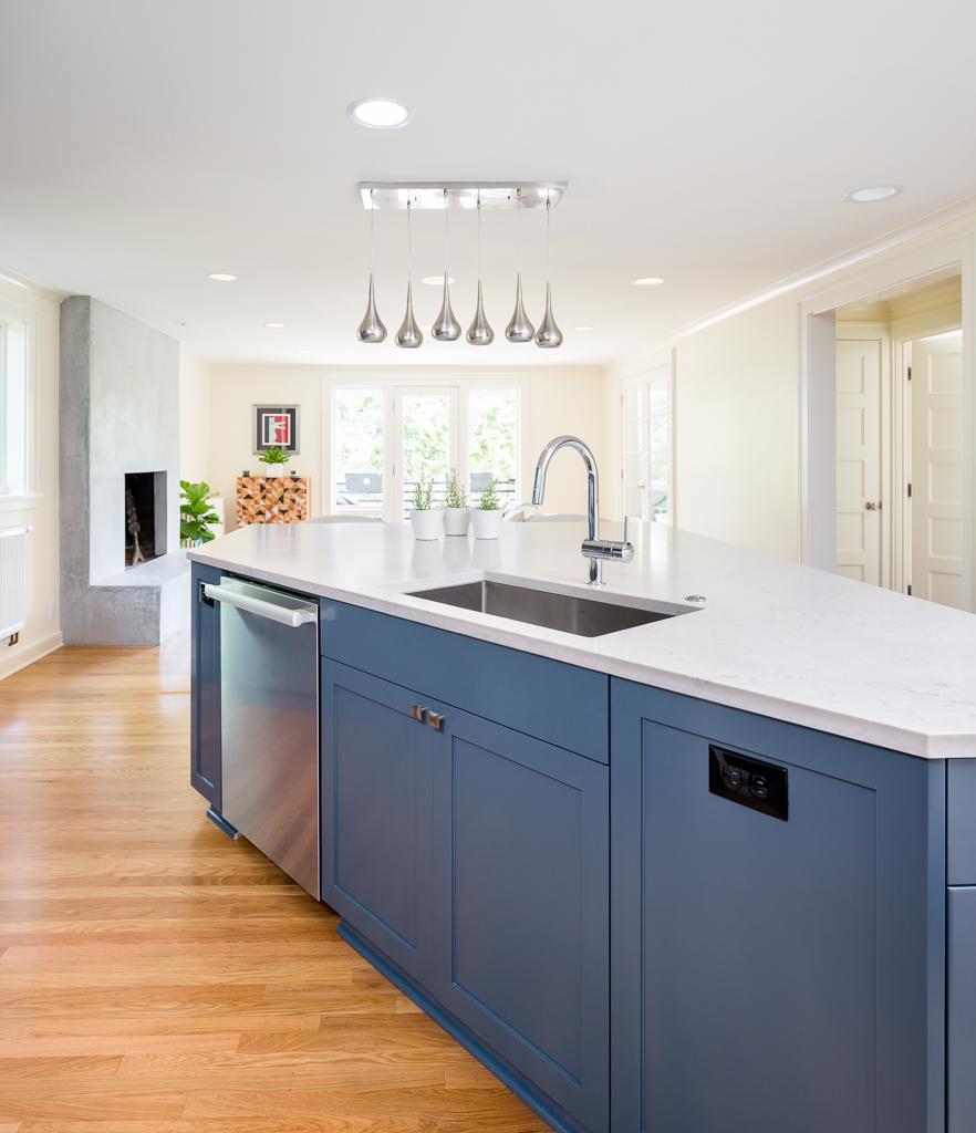16042 Kitchen Island1.jpg