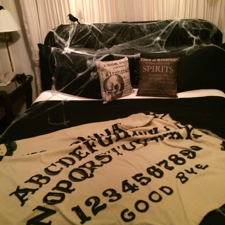 Canopy bed at Hay Adams Transylvania suite