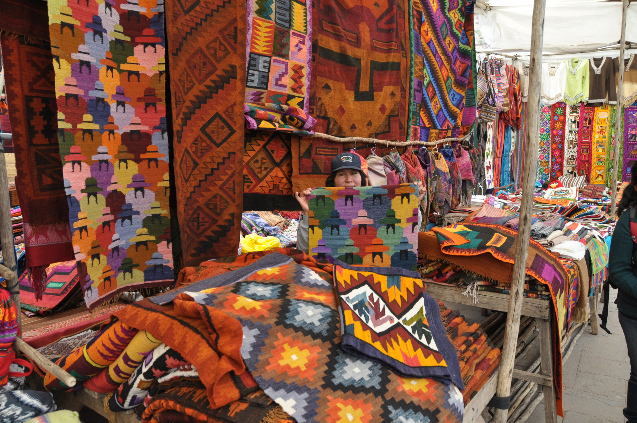 friendly and non-pushy vendors at the pisac market