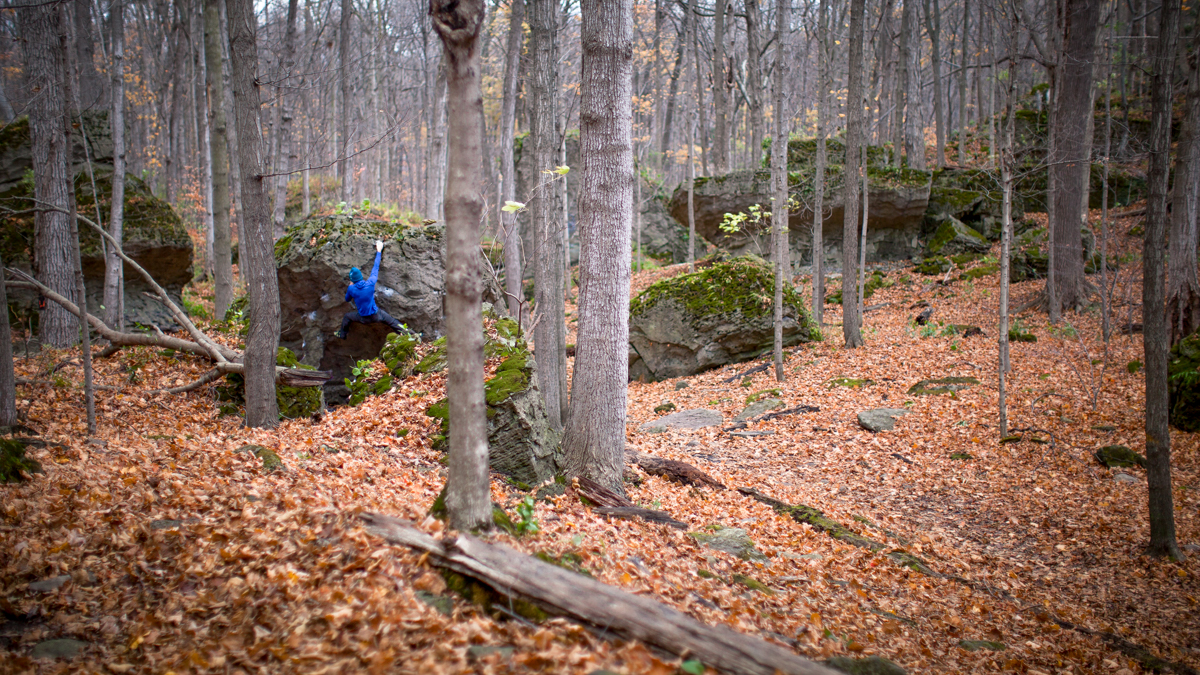 Bouldering in the Niagara Glen. Photo: Steve Andrew