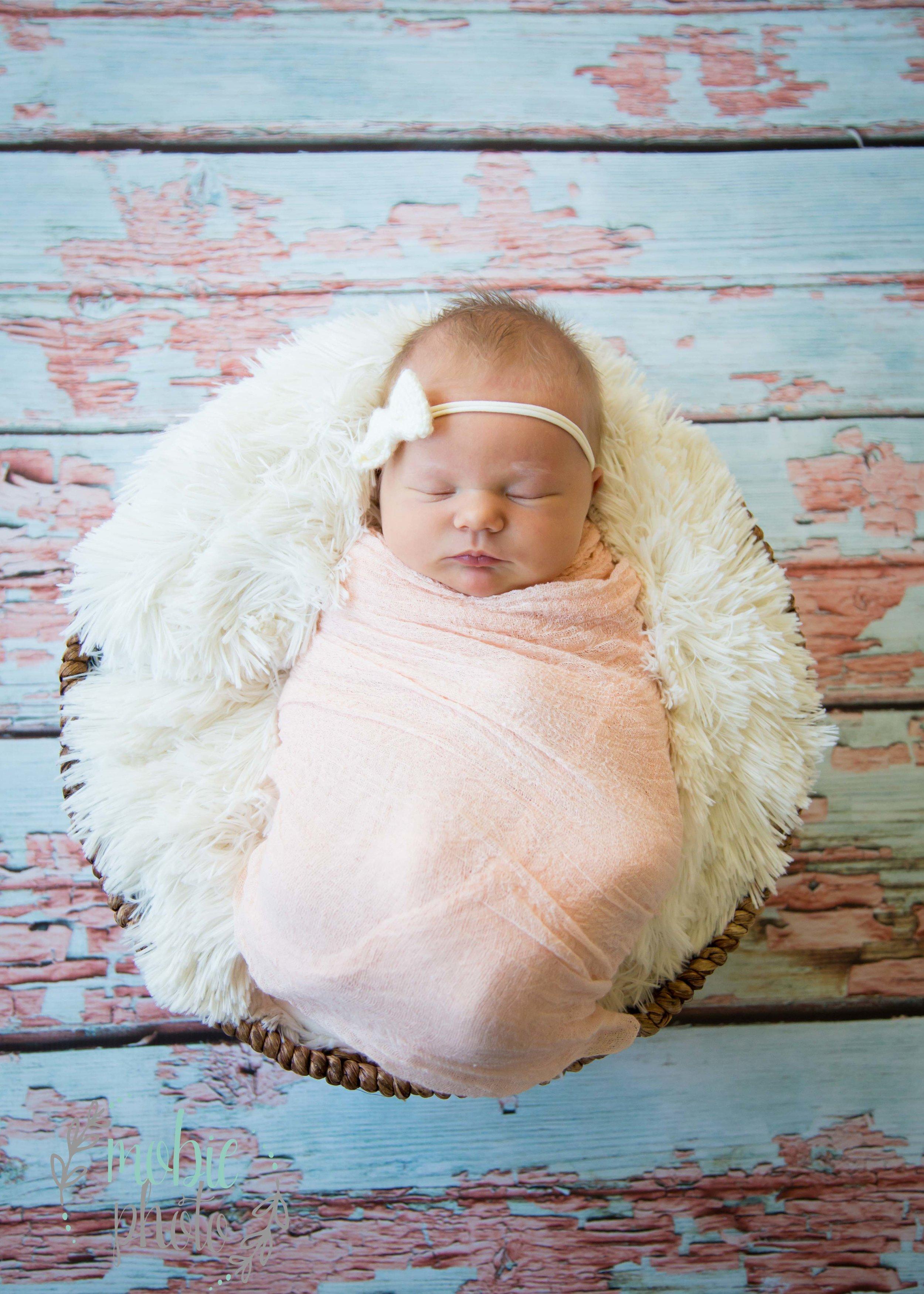 Mobie Photo - Lehi, Utah Newborn Photographer