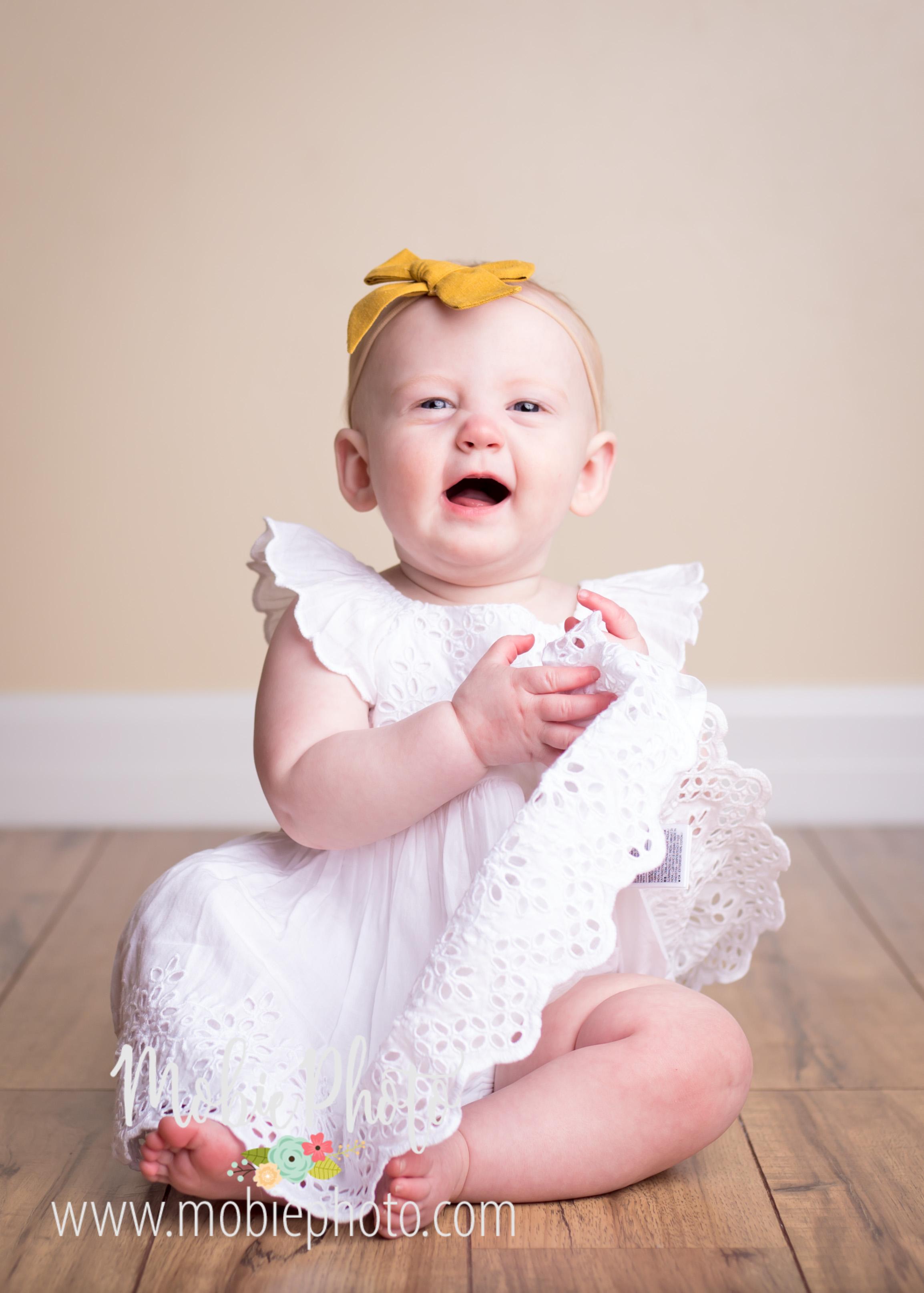 Mobie Photo - Utah Baby Photographer - 8 month photo shoot