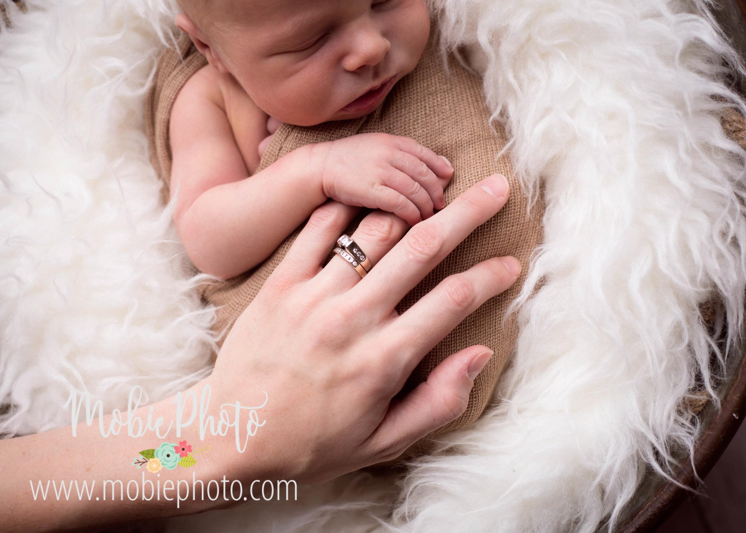 Mobie Photo - Utah Newborn Photographer - Lehi, Utah