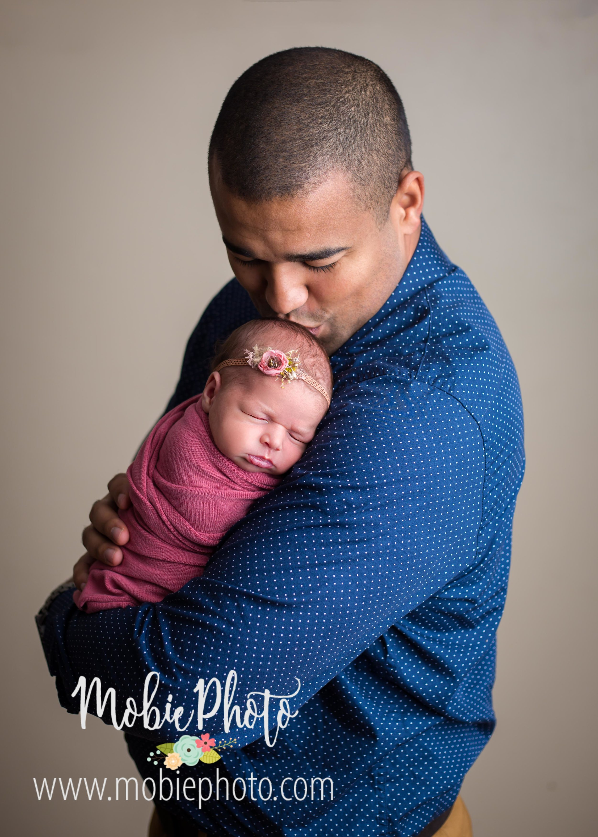 Utah Newborn Photographer - Mobie Photo - Studio located in Lehi, Utah