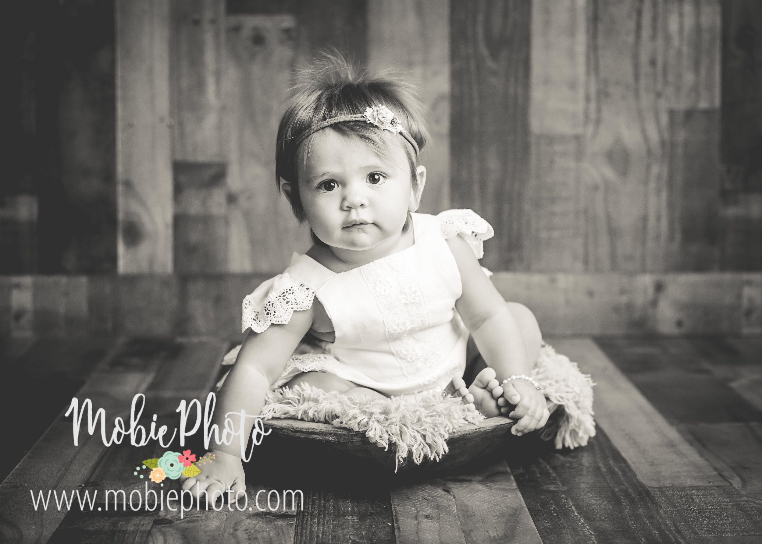 Mobie Photo - Utah Newborn Photographer - First Birthday Cake Smash Pictures
