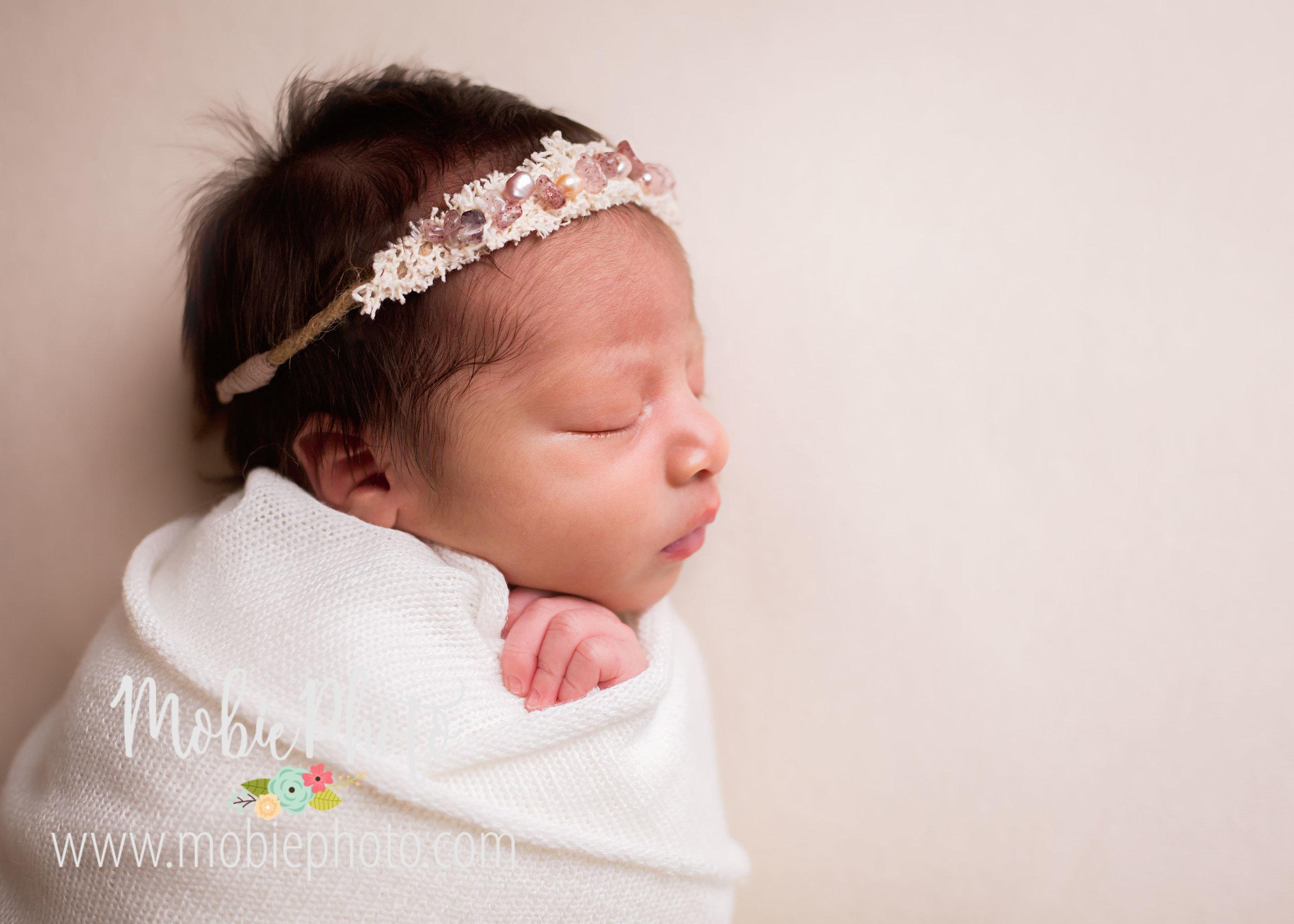 Newborn Mini Session - Mobie Photo - Utah Newborn Photography