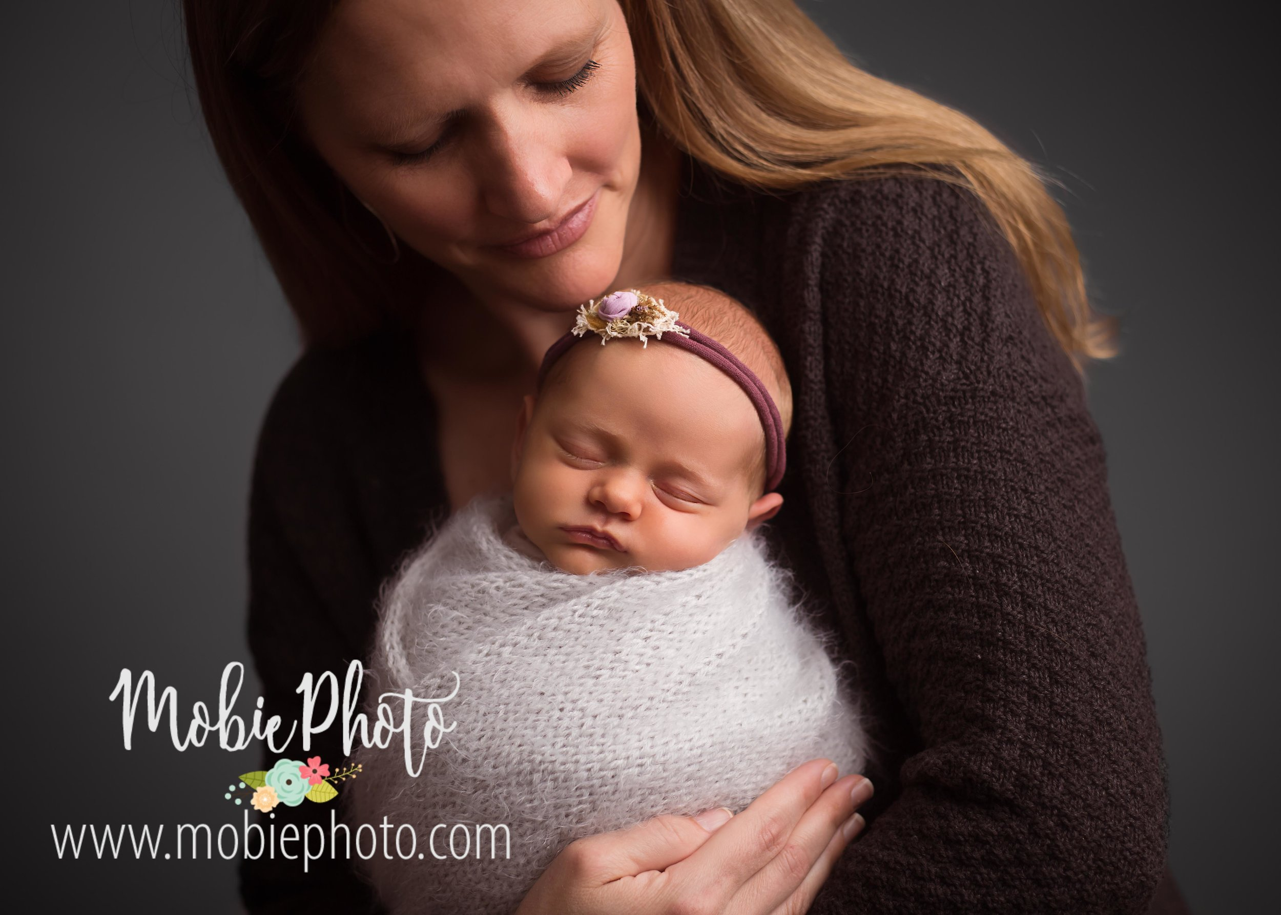 Newborn Girl Photo Session - Mobie Photo - Utah Newborn Photography