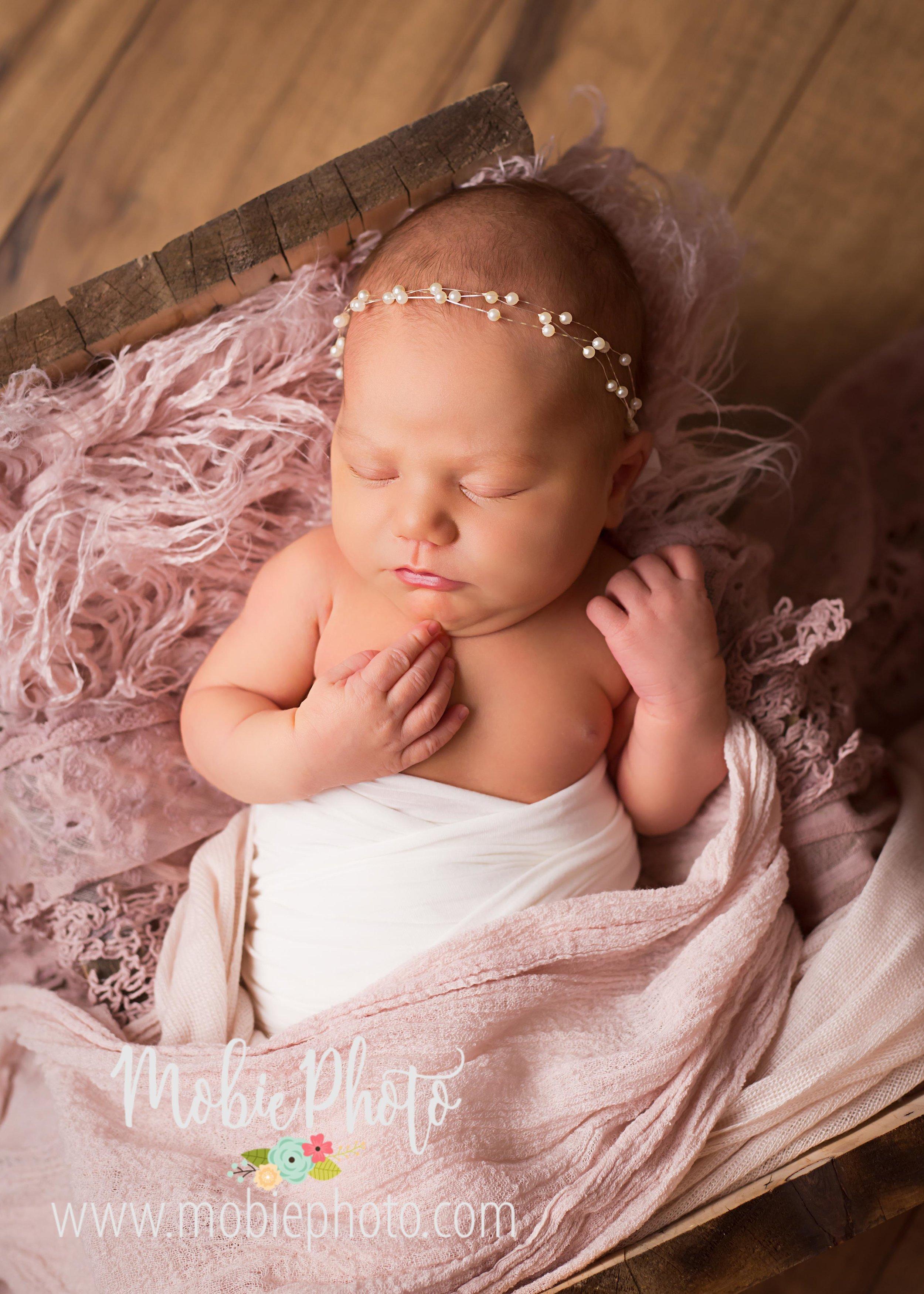 Utah Newborn Photographer - Full Session - Mobie Photo