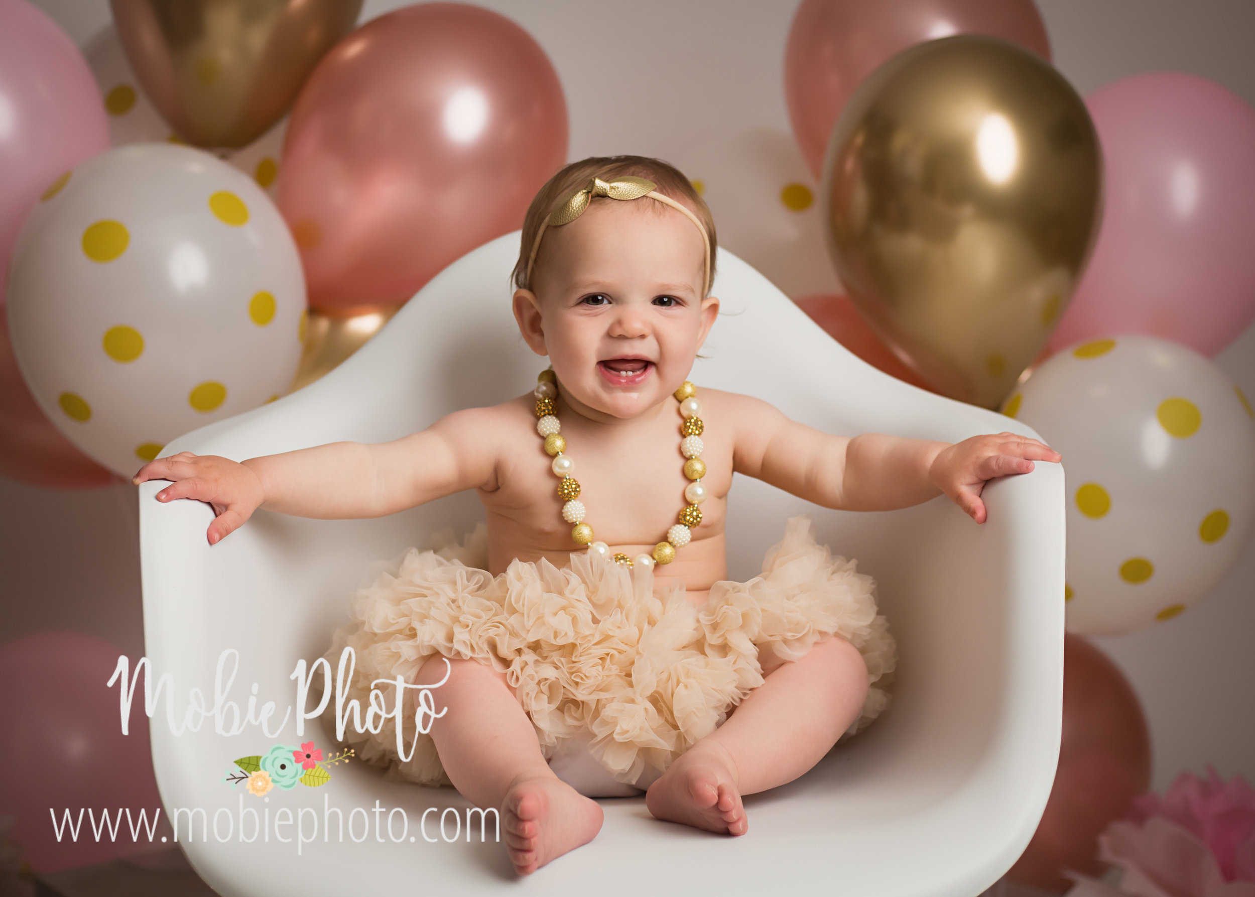 Pink and Gold Birthday Cake Smash Pictures