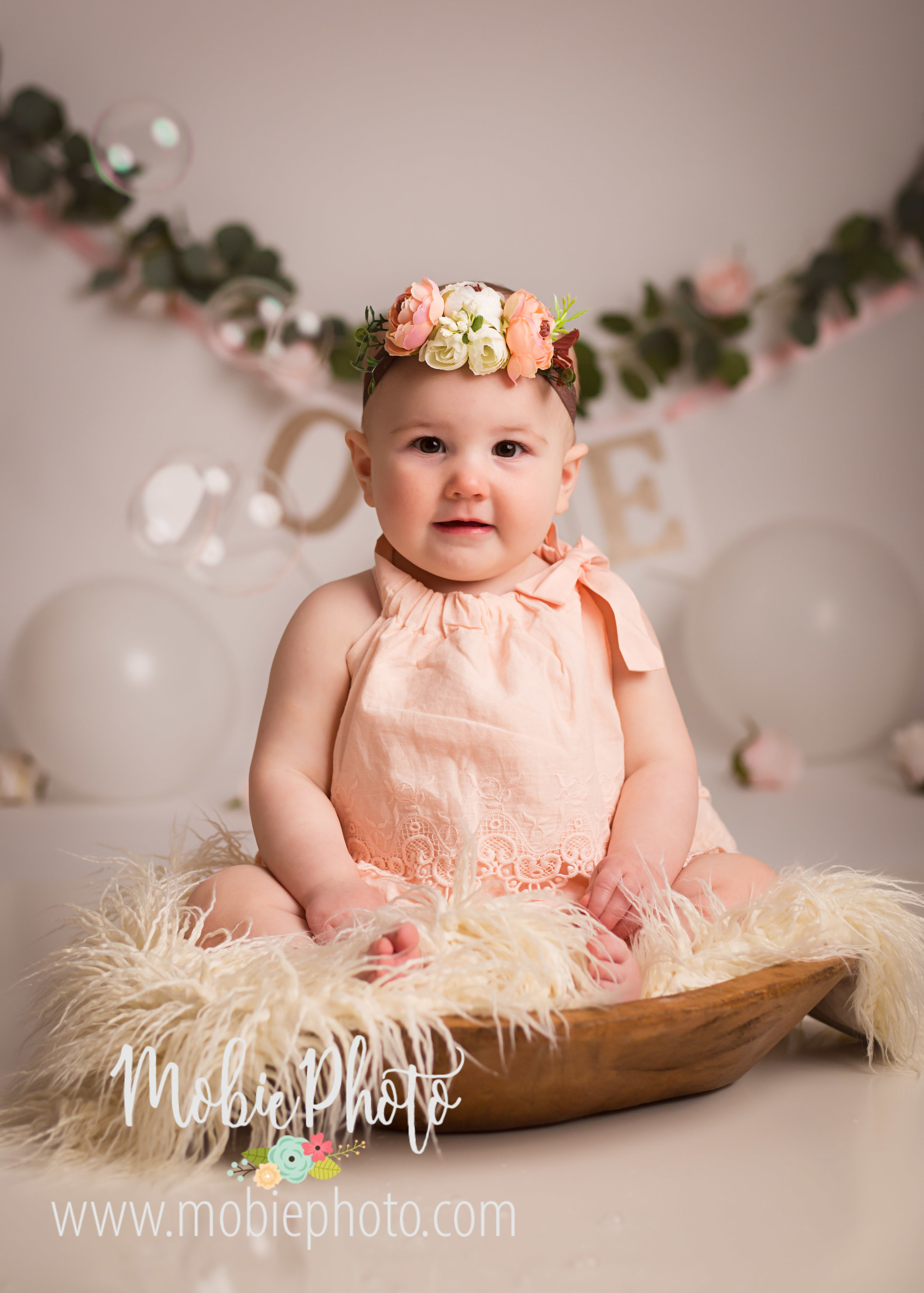 One Year Old Birthday Pictures with Cake Smash - Mobie Photo - Utah Baby Photographer
