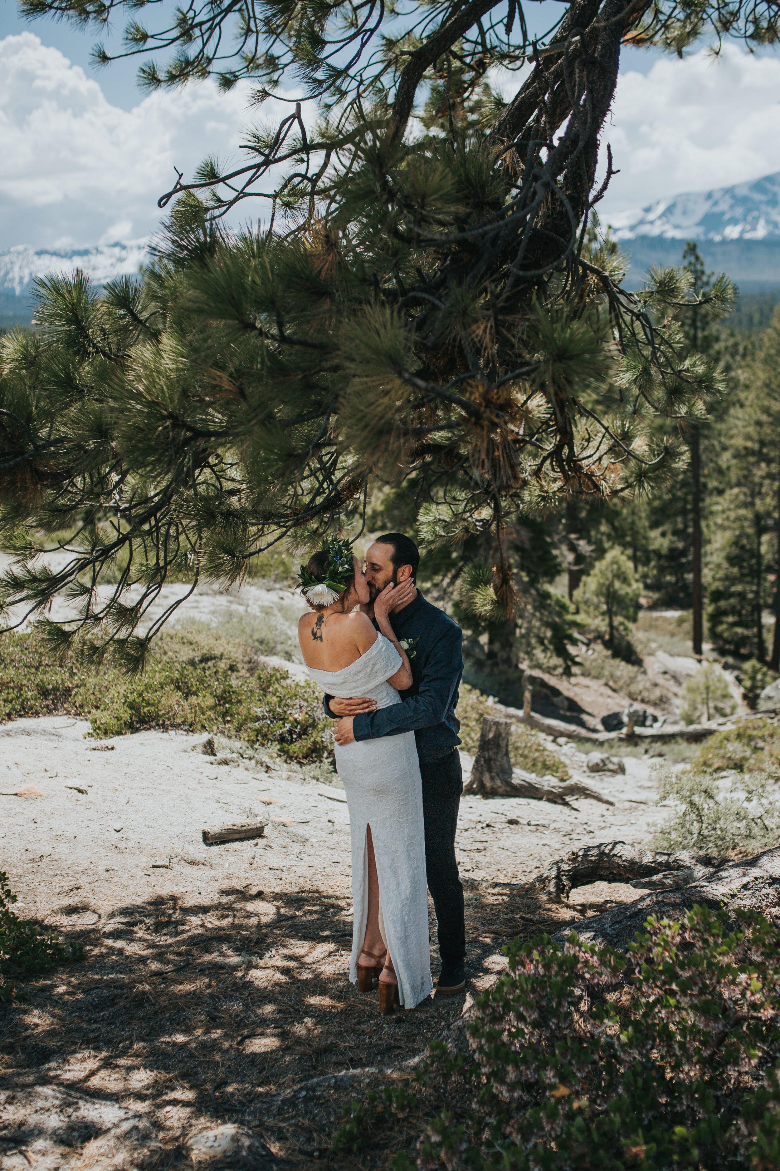 south-lake-tahoe-elopement-valerie-lendvay-photo-013.jpg