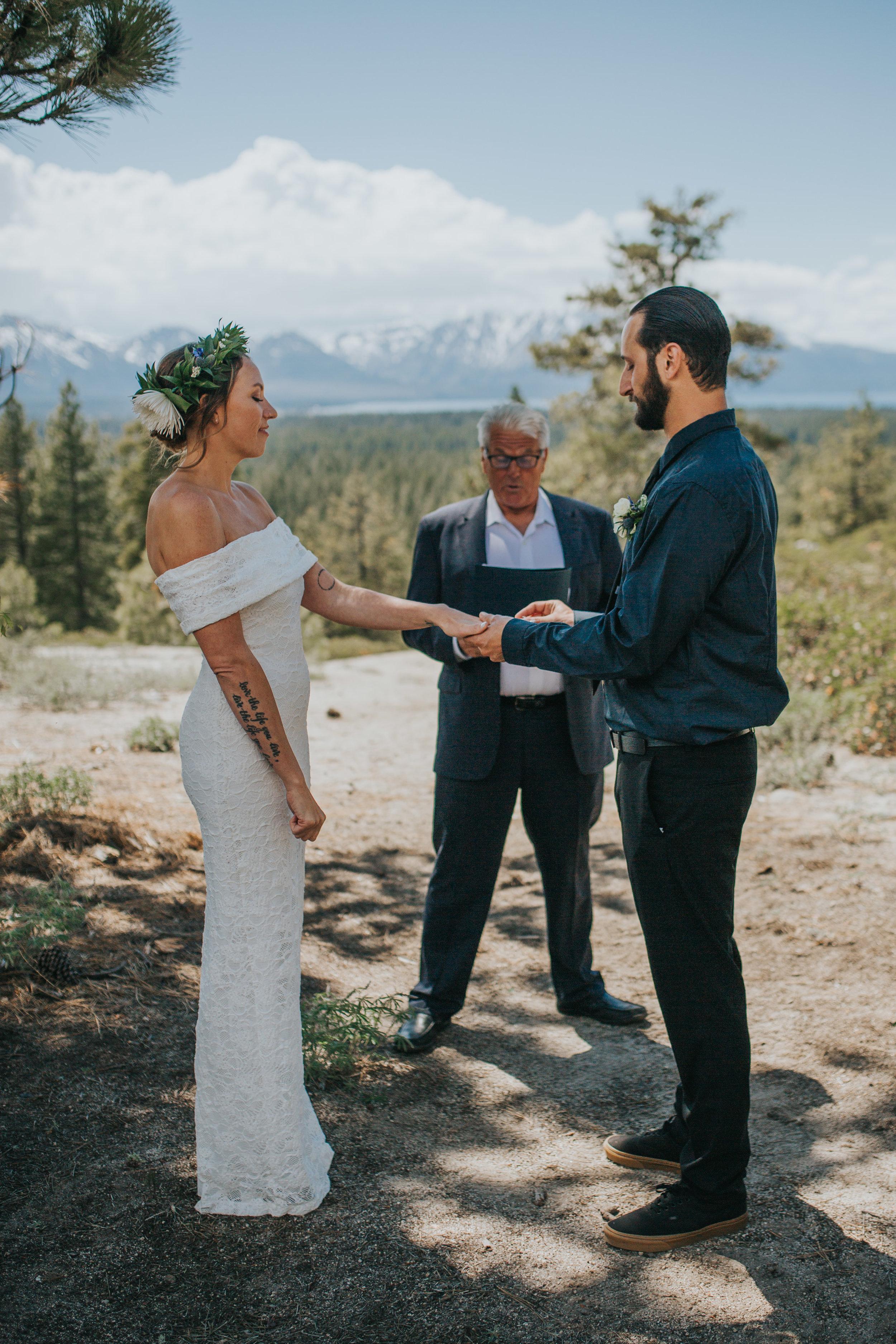 south-lake-tahoe-elopement-valerie-lendvay-photo-030.jpg