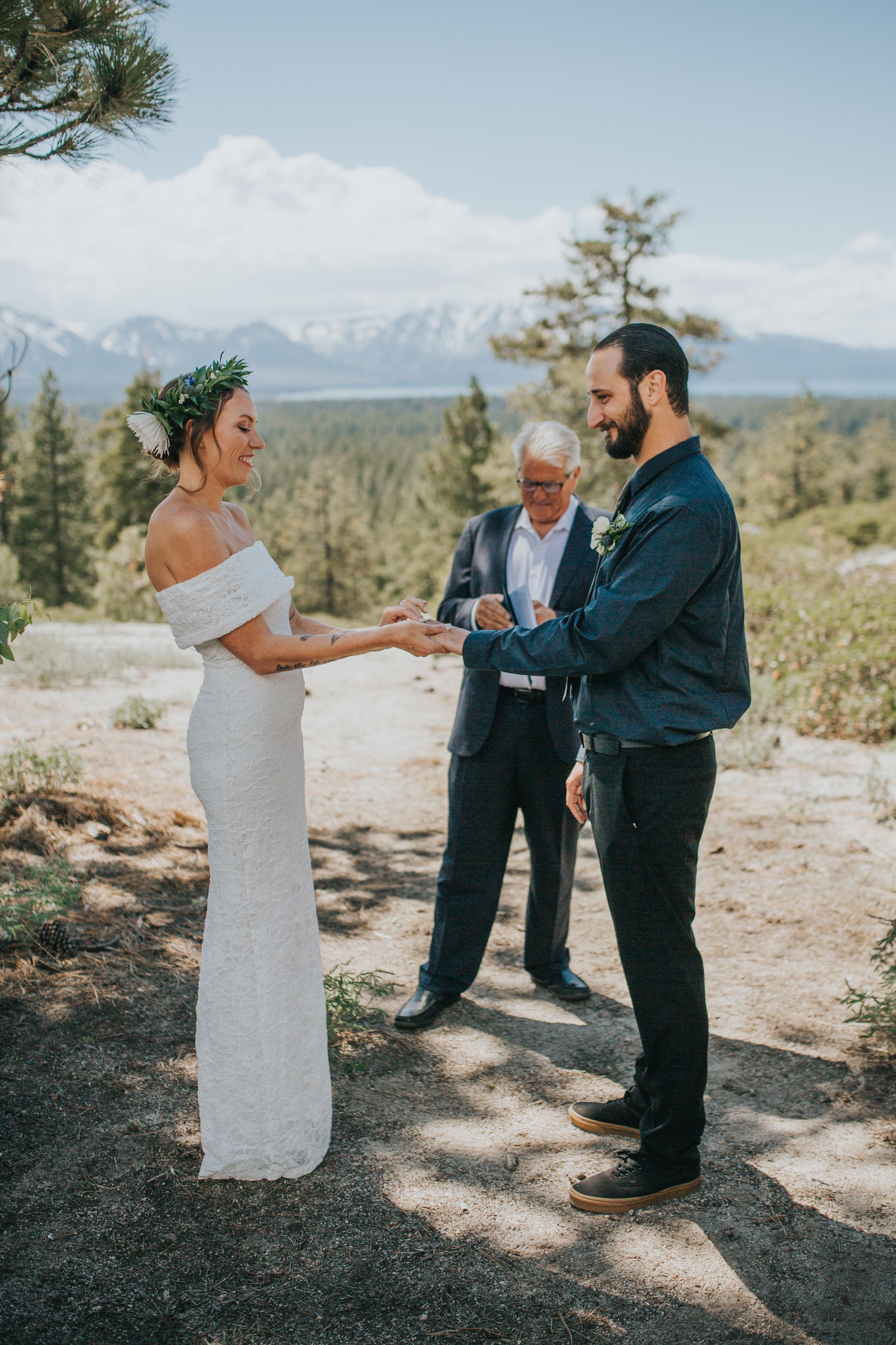south-lake-tahoe-elopement-valerie-lendvay-photo-031.jpg