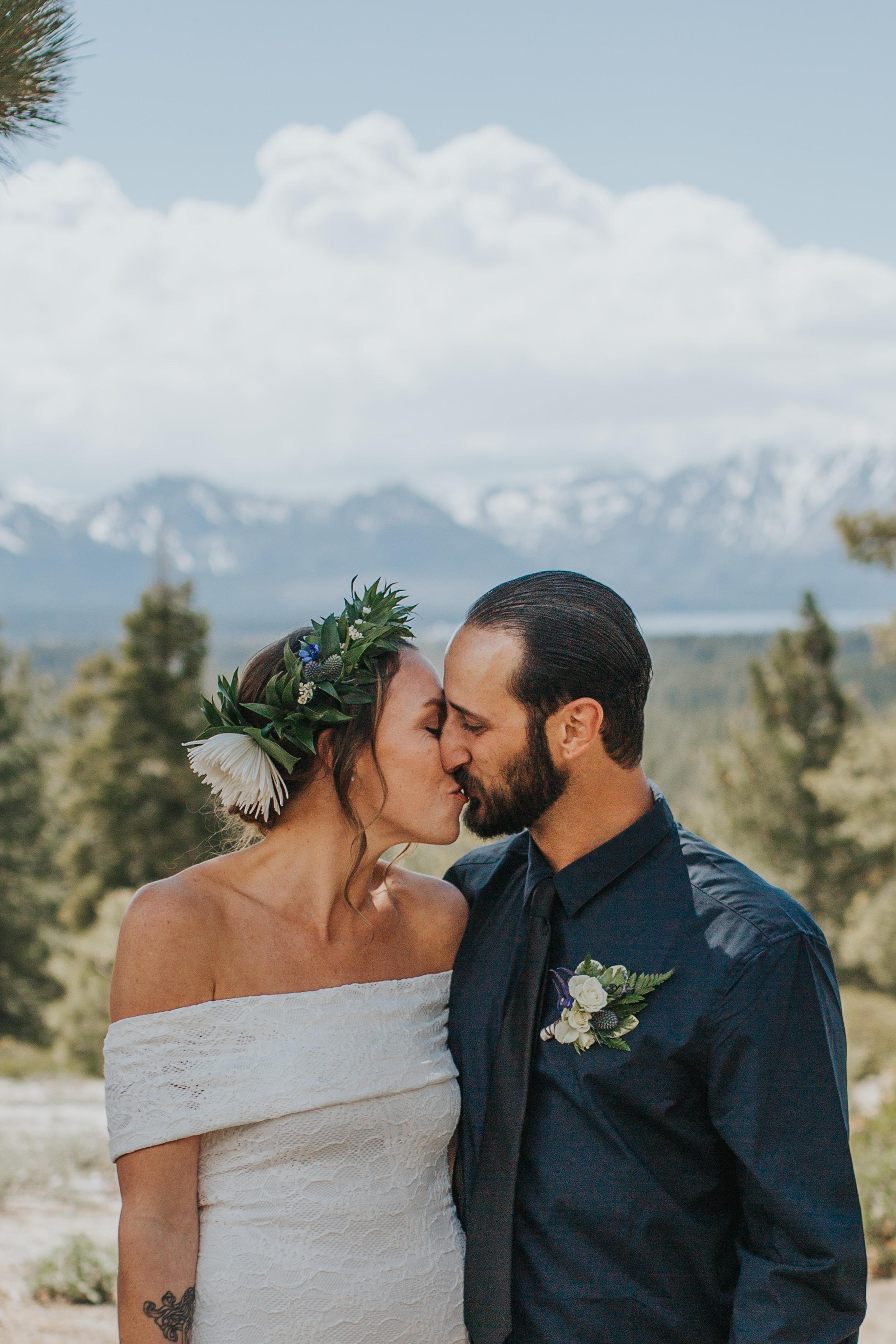 south-lake-tahoe-elopement-valerie-lendvay-photo-033.jpg