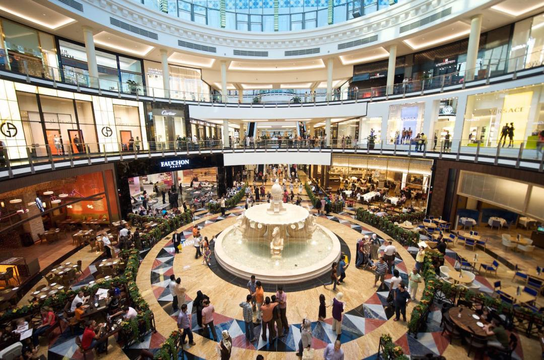 Mall of the Emirates - where you can shop and ski all in one day!