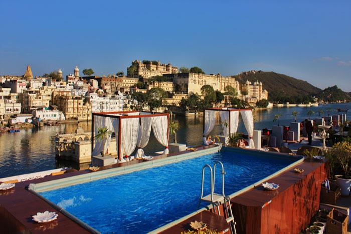 lake-pichola-hotel.jpg
