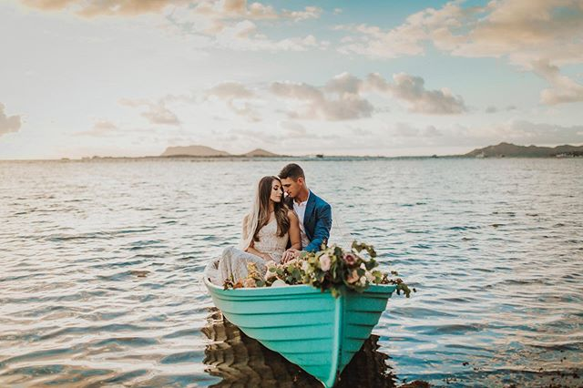 I had the amazing opportunity to host the Adventurous At Heart Retreat this past weekend and this was by far one of my favorite sessions. Having a bride and groom on a small boat with florals is something I have been dreaming about shooting for years and I finally was able to make it a reality!  To learn more about the Adventurous At Heart Retreat visit my website www.newwavehawaii.com/adventurousatheartretreat or if you are a photographer/vendor/HMUA and would like to join styled shoots in the future join my facebook group Adventurous At Heart - Retreats and Styled Shoots ✨ ✨ ✨ @adventurousatheartretreat  Dress: Lulus @lulus Model: Nickelle @nickellemick Florals: @alohapicnics Boat: @bytheszephotography #adventurousatheartretreat #retreat #photography #photographyretreat #oahu #hawaii #oahuphotographyretreat #hawaiiphotographyretreat #boat #wedding #bride #bridal #groom #brideandgroomonboat