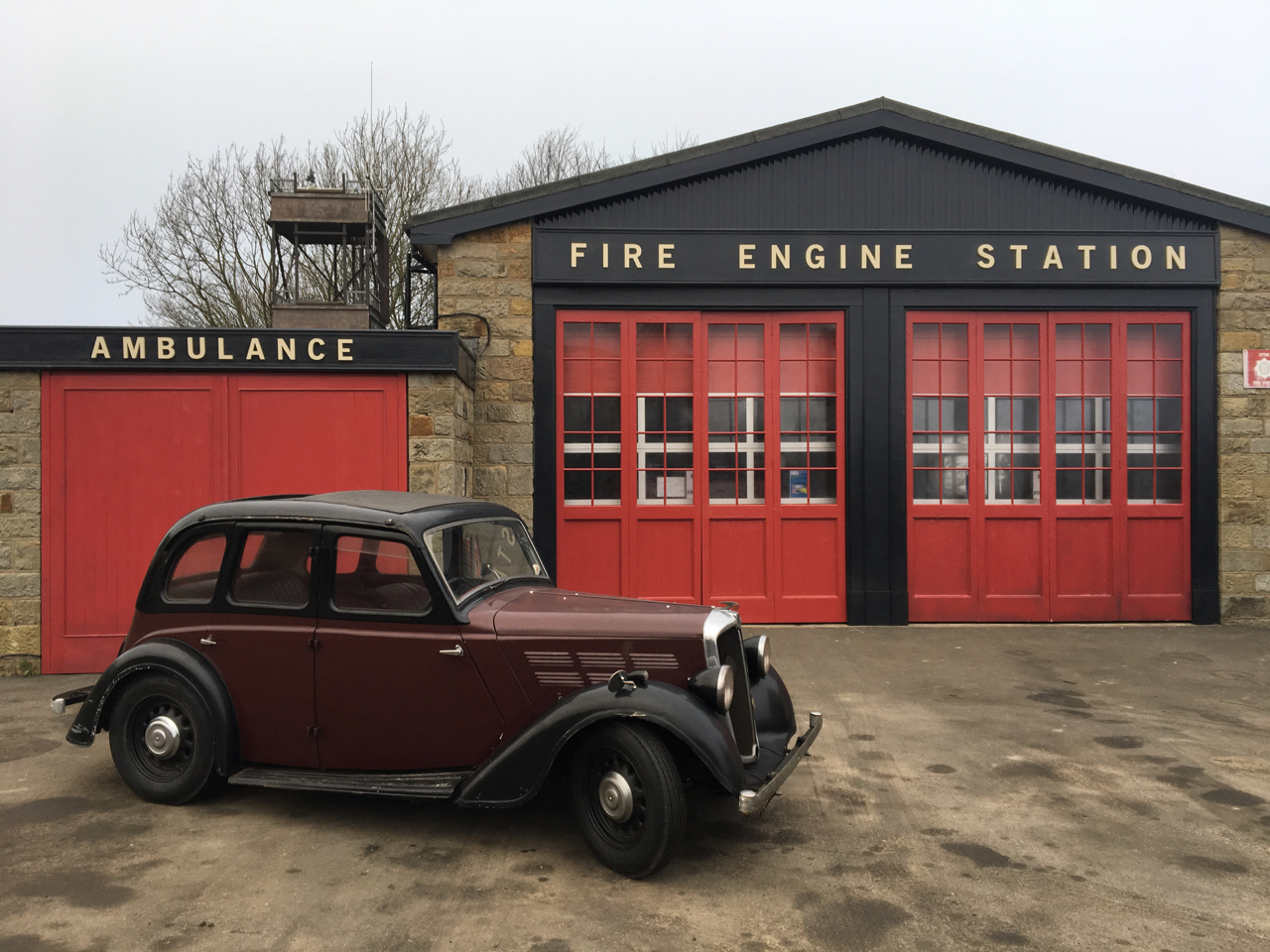 Ext Fire Station_Phantom Thread_Adam Squires 2017.jpg