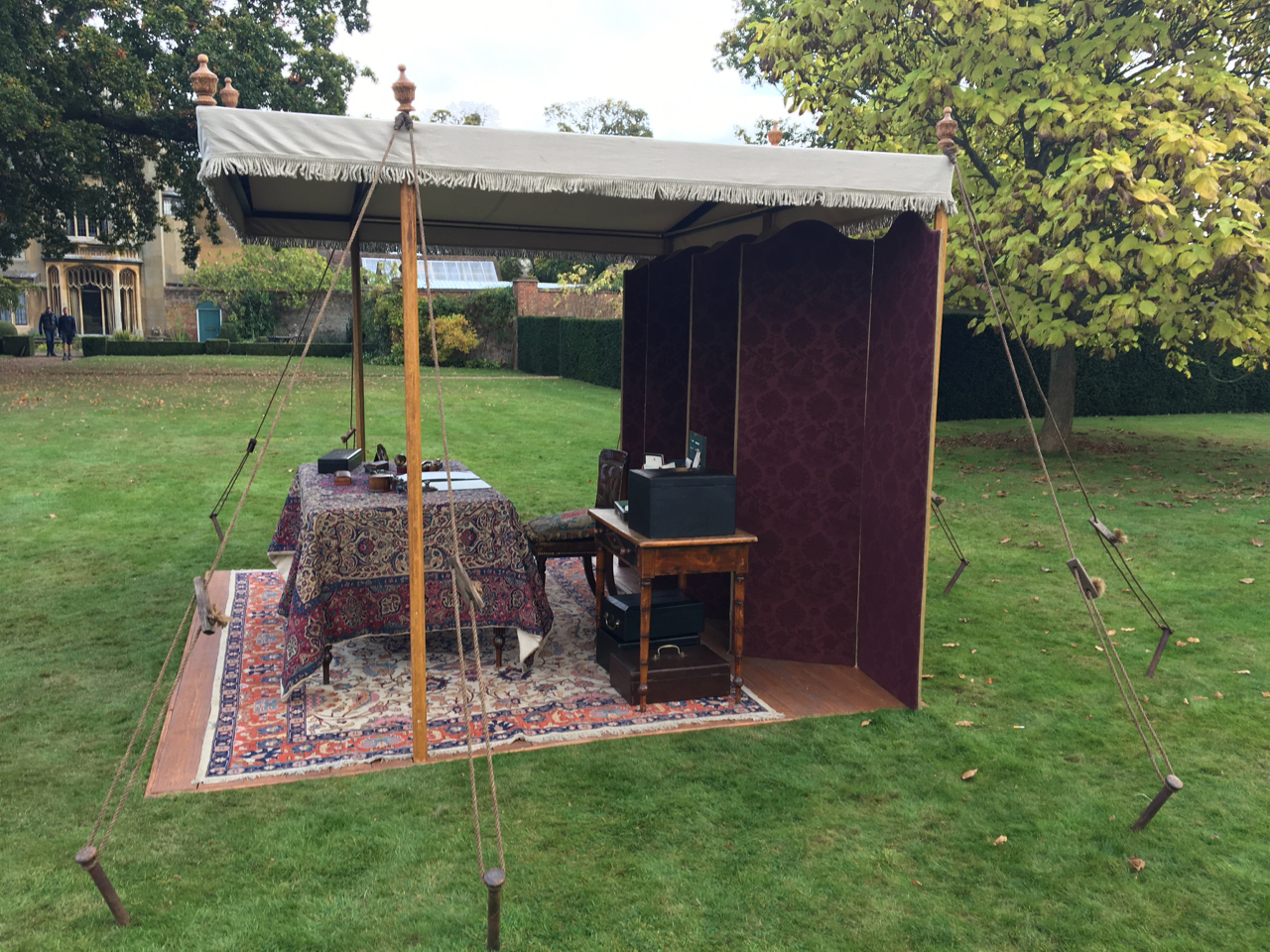V&A_Writing Station_Side_Adam Squires_2016.jpg