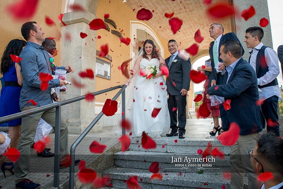 bodas-petalos-de-rosas.jpg