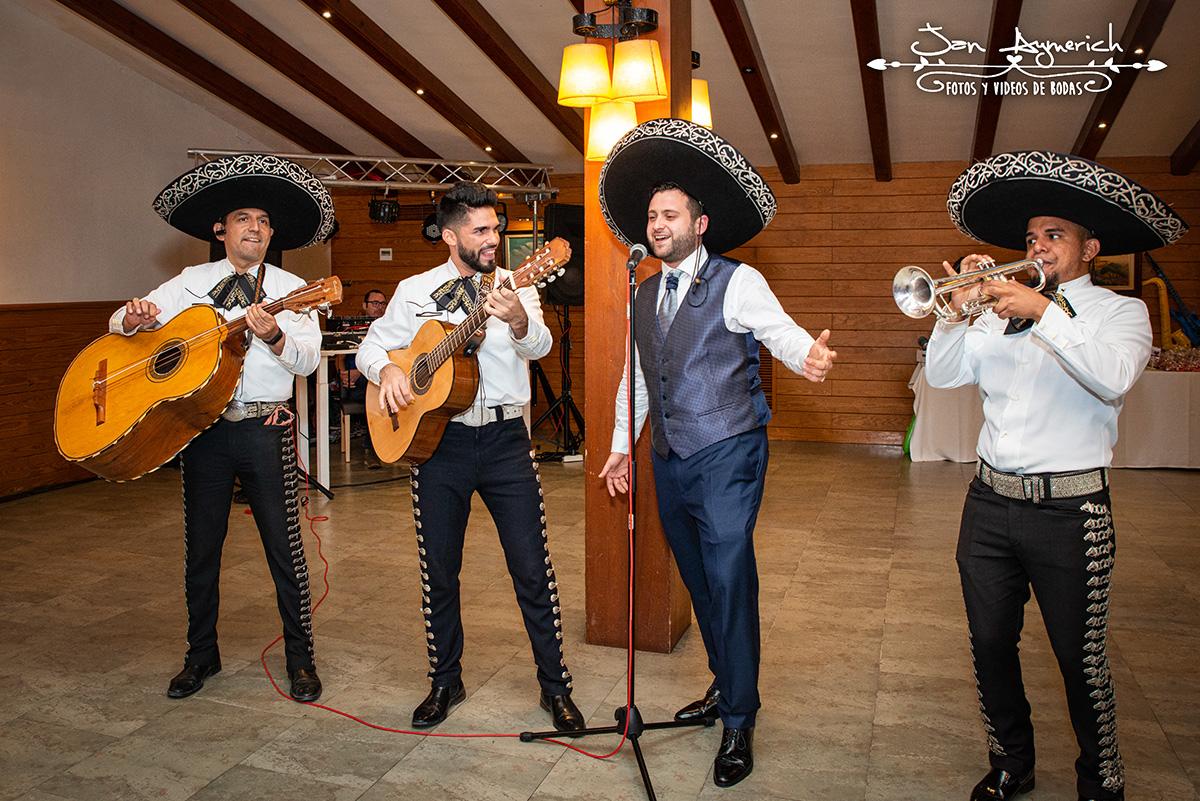 mariachis-barcelona.jpg