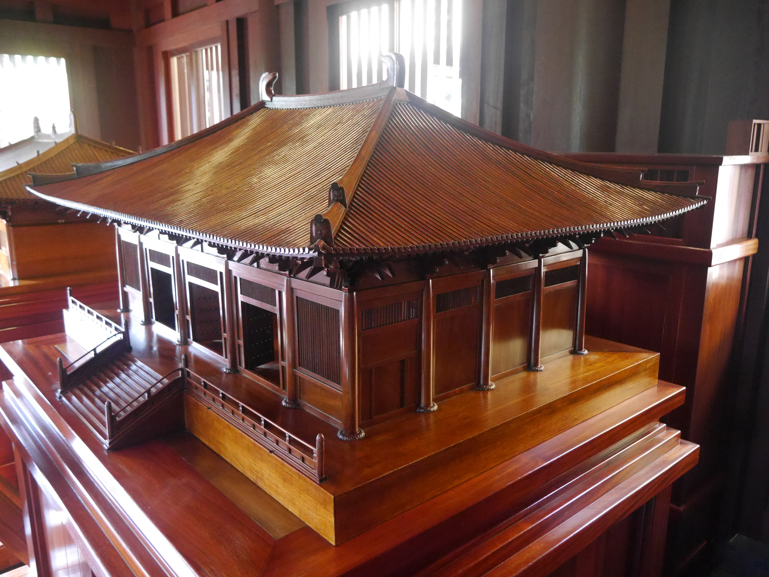 Inside the garden was a building housing a display of miniature versions of famous examples of Chinese architecture.