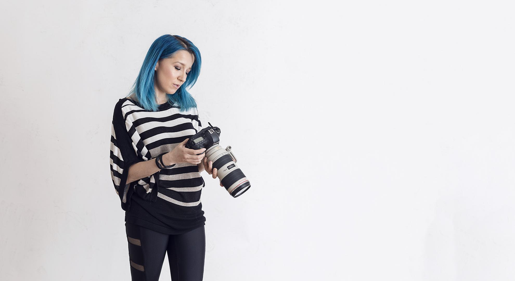 Hi, I'm Tora!   I'm a photographer and makeup artist from Montreal.