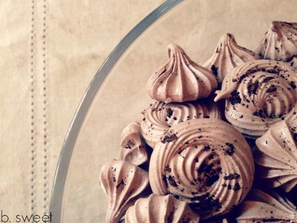 hot_chocolate_meringues_2.jpg