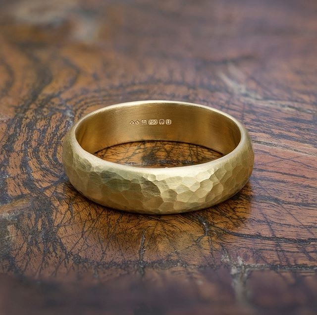 Fresh back from @theassayoffice, this  #18ctyellowgold wedding ring was actually made by one of my clients! Bart came along to a wedding ring workshop to make a ring for Hannah back in Feb. He enjoyed the process so much that he wanted Hannah to have a go at making one for him! The result of her labours is this lovely chunky textured band filled with character (just like them!) Getting married this year? Why not try your hand at making your own wedding rings? I'll lead you through the process from start to finish - the end result is something that you've lovingly made from scratch to wear forever. You can't get much more meaningful than that! DM me for more details and prices. • • • #roderickvere #makeyourownweddingrings #weddingringworkshop #goldjewelleryworkshops #releaseyourinnerjeweller #goldweddingring #couplesworkshop #ringmaking #ringmakingworkshop #fromejeweller #londonjeweller