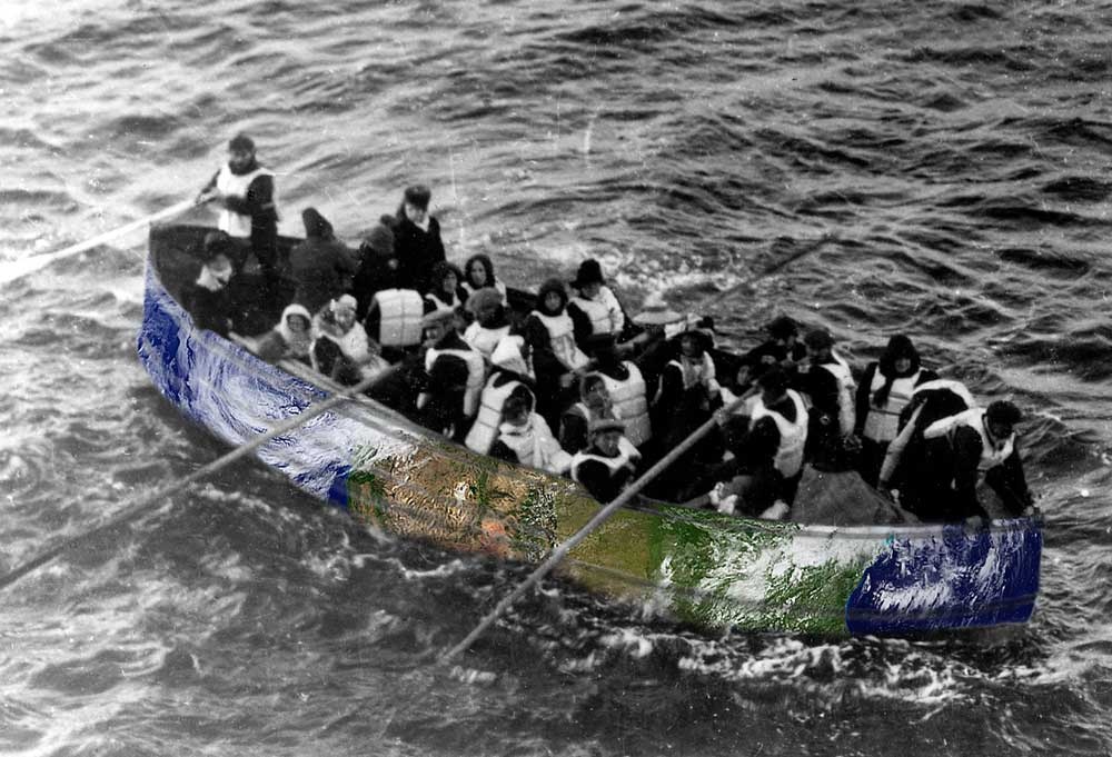 Titanic_lifeboat_optimized.jpg