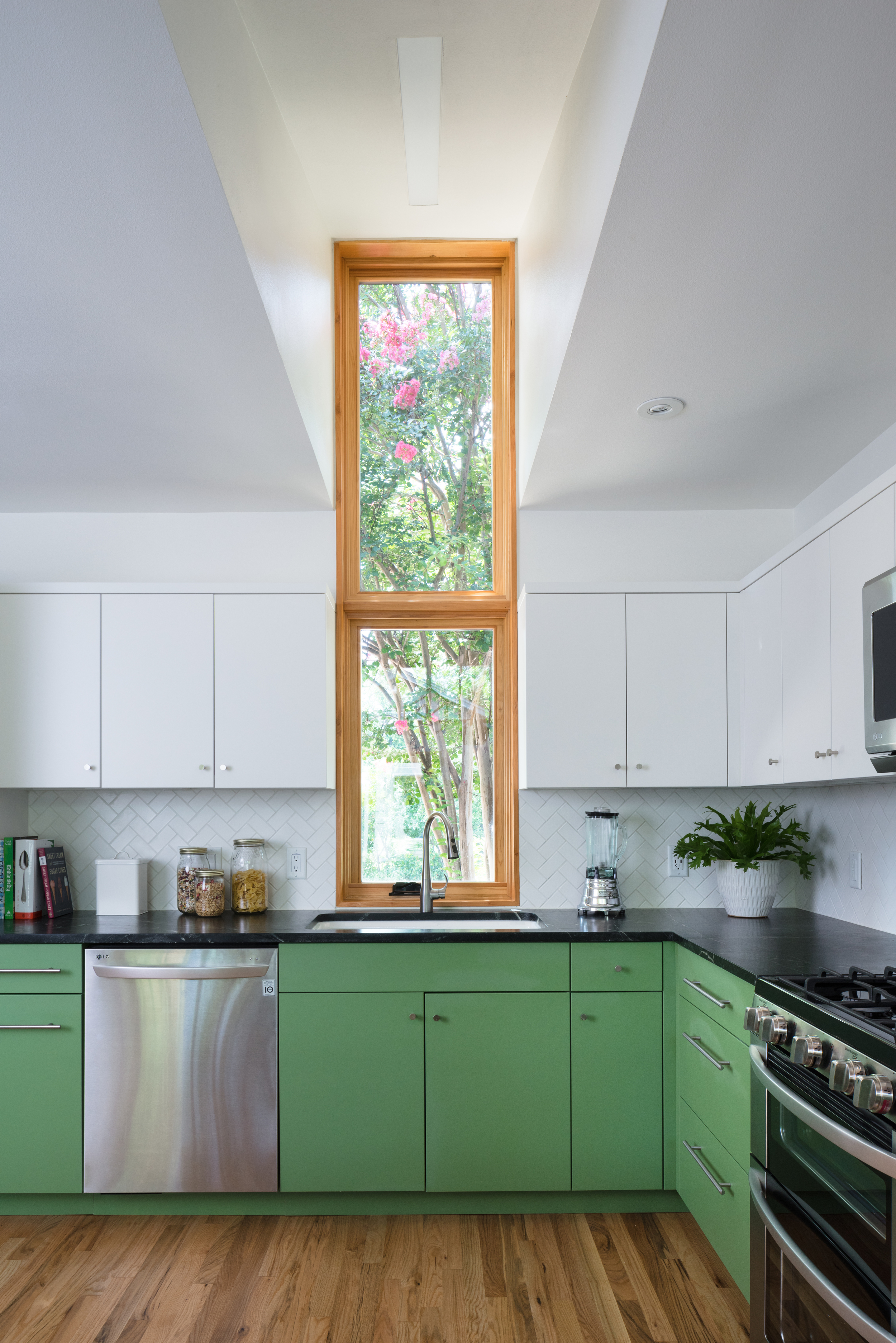 skyview_kitchen covejpg
