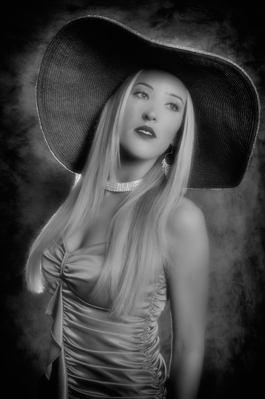Amy, Classic black and white fashion photo with hat