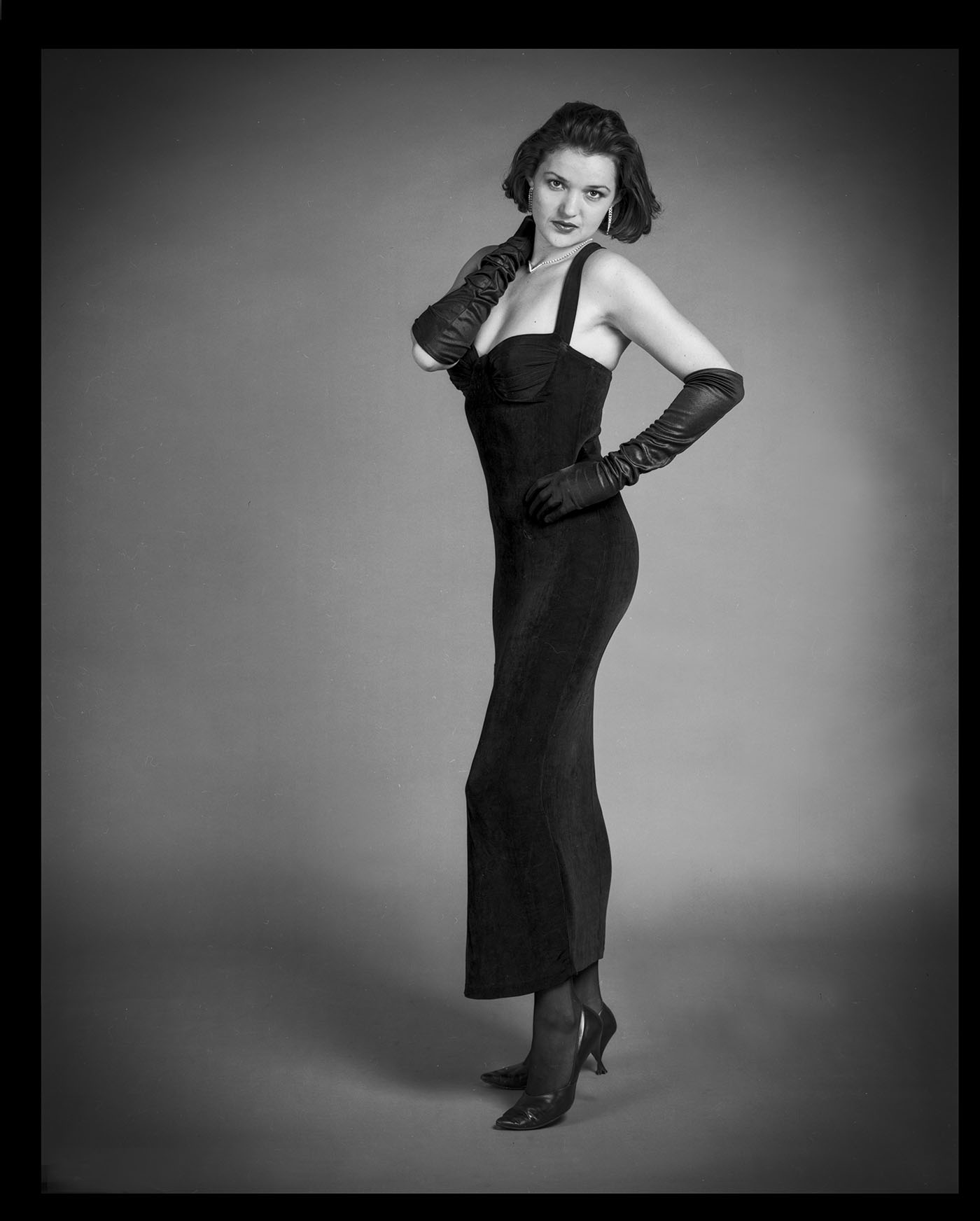 Black and white glamour portraIt