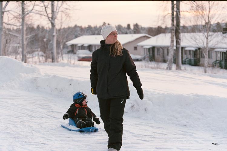 Sabina och Noel njuter i kylan.